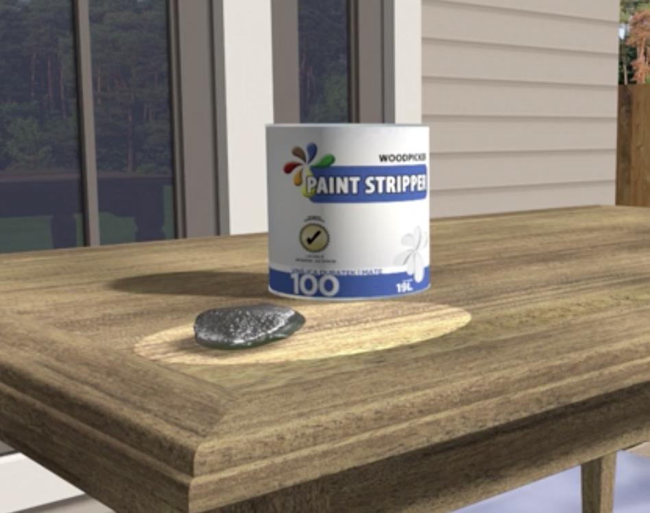 Sverniciare il tavolo con lana d'acciaio